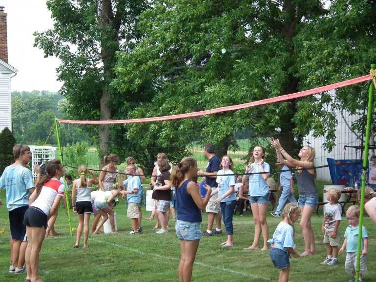 Water Balloon Toss Crowd